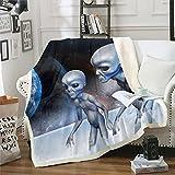 Loussiesd Alien Sherpa Manta de forro polar Planetas Manta de felpa para el espacio exterior para la cama, sofá o seres sobrenaturales, cama gris, cálida y difusa manta doble de 156 x 182 cm