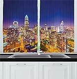 Cortinas de cocina modernas, cielo panorámico de la zona residencial de Carolina del Norte en la noche, paisaje urbano, imagen colorida de la ciudad, cortinas de ventana, juego de 2 paneles para decor