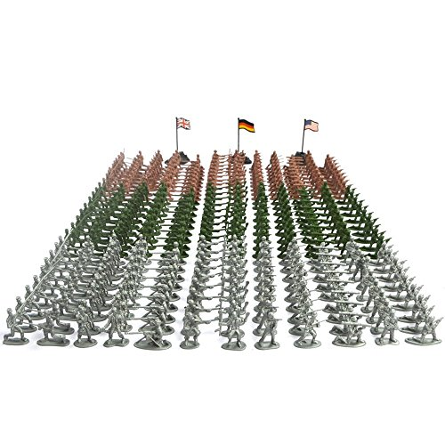 Army Men Play Bucket-Soldiers of WWII-Over 300 Piece Set
