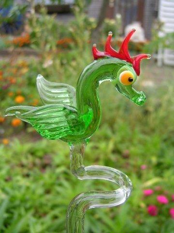 Orchideenstab Drachen Grün Rot - Blumenstab Rankhilfe Drache U 1 Deko Blumen Garten