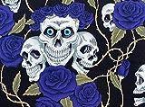 Halloween-Stoff – Totenköpfe und blaue Rosen auf schwarz