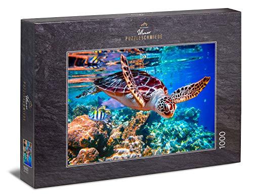 """Ulmer Puzzleschmiede - Puzzle """"Meeresschildkröte"""" - Klassisches 1000 Teile Puzzle aus dem Meer – Puzzlemotiv der schwimmenden Schildkröte als leuchtende Unterwasser-Aufnahme in der Südsee"""
