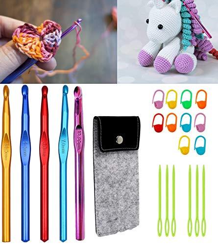 Crochet Hooks, 5 Size 7.0mm, 8.0mm, 9.0mm, 10.0mm, 12.0mm Aluminum Ergonomic Crochet Hooks Set, for Beginners with Felt Cases and Crochet Accessories in Case
