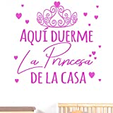Docliick Frase Vinilo habitación infantil'AQUÍ DUERME LA PRINCESA DE LA CASA' Vinilos decorativos vinilo frases motivadoras para pared.Pegatina de pared DC-18019 (30x20cm)