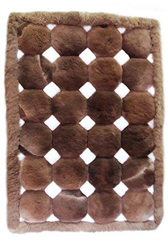 Alpacaandmore Alfombra de piel de alpaca peruana original en color marrón y blanco, diseño de dados (150 x 110 cm)