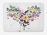 Alfombra de baño de corazones, imagen de corazón grande en forma de varios tipos de coloridas mariposas voladoras en la naturaleza, alfombra de felpa decorativa para baño con respaldo antideslizante