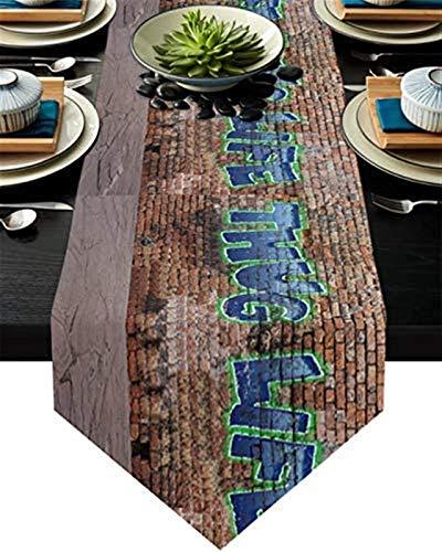 VJRQM Chemin de Table Chemin de Table Basse antidérapant en Toile de Jute pour fête,dîner,Vacances,Cuisine,décoration de Table Tous Les Jours,Graffiti Thug Life Brick Wall Street Art,13x70 Pouces