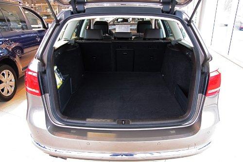 tuning-art BM2303 Gepäckraum Kofferraummatte Velour-Gummi fahrzeugspezifisch