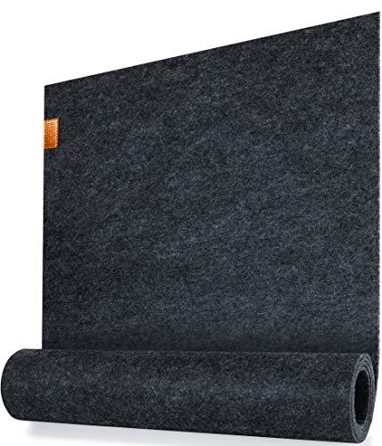 Miqio ® - Design Tischläufer aus Filz abwaschbar | Marken Label aus Echtleder | Tischband 150x40 cm | Skandinavische Deko - passend Tischsets, Platzsets, Tischdecken | dunkel grau