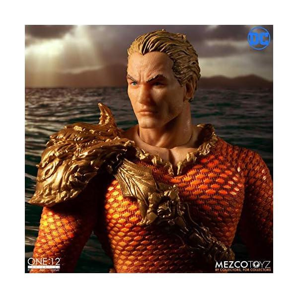 Figura Aquaman 17 cm. One:12. DC Cómics. Mezco Toyz 3