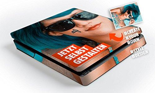 atFoliX Personalisierbare Designfolie kompatibel mit Sony PlayStation 4 Slim PS4 Slim - gestalte deinen Skin Aufkleber im Custom-Konfigurator einfach selbst