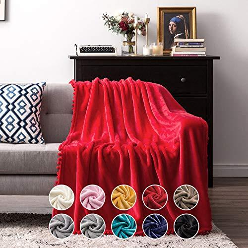 MIULEE Kuscheldecke Fleecedecke Flanell Decke Mit Pompoms Einfarbig Wohndecken Couchdecke Flauschig Überwurf Mikrofaser Tagesdecke Sofadecke Blanket Für Bett Sofa Schlafzimmer Büro 150x200 cm Rot