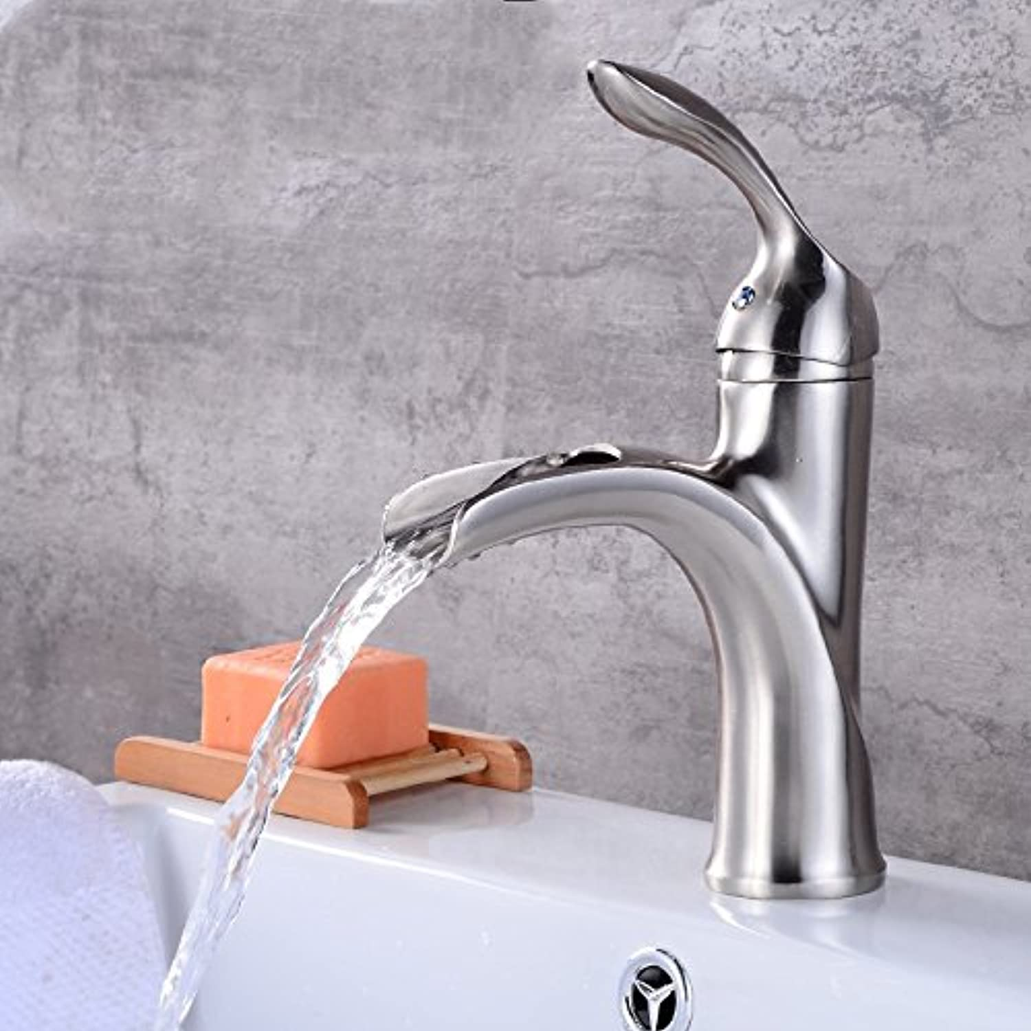Hlluya Professional Sink Mixer Tap Kitchen Faucet Hot and cold water faucet single hole basin full copper bathroom sink basin faucet brushed short