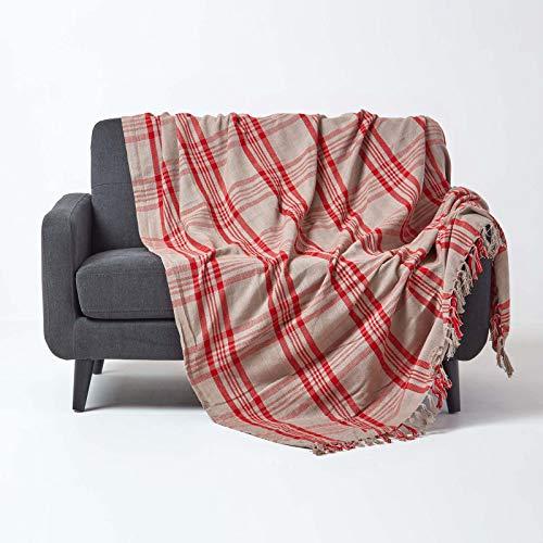 Homescapes große Tagesdecke mit Tartan-Muster, Sofa-Überwurf 225 x 255 cm mit Fransen, weiche Wohndecke aus 100prozent Baumwolle, Schottenmuster, grau-rot kariert