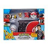 Pokémon juego de bandolera, contiene un eevee de 5 cm, 2 bolas clip-n-go-poke, 1 cinturón poke ball y 1 bolsa de transporte, la bolsa se puede usar como un mate de batalla para tus personajes