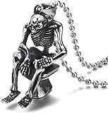 NC83 Collana da uomo in acciaio vintage con teschio scheletro seduto sulla toilette, collana con pendente30 in catena