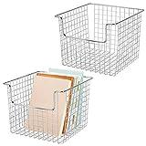 mDesign Juego de 2 cestas de almacenaje de alambre para el armario o el estante...
