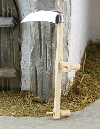 Krippenshop Sense aus Metall mit Holzgriff. 8,5 cm. Zubehör für Weihnachtskrippe.