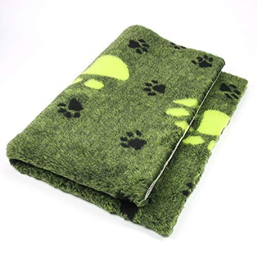 ProFleece Premium Hundedecke Haustiermatte 3-farbig grün mit Pfotenabdruck   Rutschfest   Antibakteriell   Antiallergen   Atmungsaktiv   Isolierend   Waschbar (M = 100 x 75 cm)