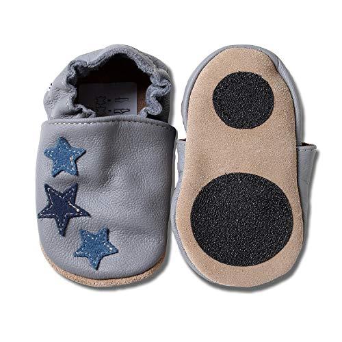 HOBEA-Germany Baby Lauflernschuhe Sterne mit Anti-Rutsch-Pads, Kinder Hausschuhe, Lederschuhe, Design: grau mit blauen Sternchen, Größe 26/27 (30-36 Mon)