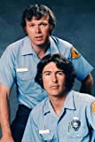 Poster Randolph Mantooth Kevin Tighe In Unifo, 60 x 91 cm