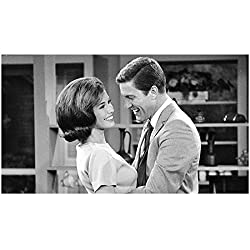 Image: Mary Tyler Moore 8 Inch x 10 Inch Photograph The Mary Tyler Moore Show The Dick Van Dyke Show Ordinary People on Set Getting Hug from Dick Van Dyke