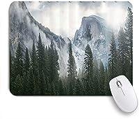 PATINISAマウスパッド 霧の山と森山の神秘的な自然ウーランズ ゲーミング オフィス最適 高級感 おしゃれ 防水 耐久性が良い 滑り止めゴム底 ゲーミングなど適用 マウス 用ノートブックコンピュータマウスマット