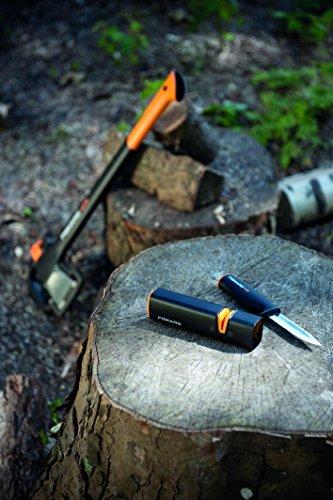 Fiskars XSharp Axe and Knife Sharpener, Ceramic sharpening stone/Fiberglass reinforced plastic case, Black/Orange, 1000601