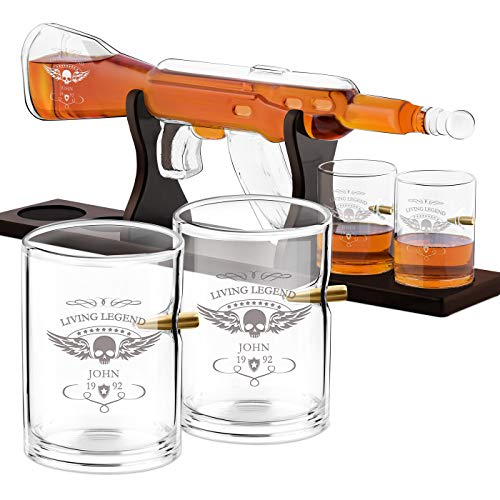 Murrano Whisky Karaffe mit Gravur - in Gewehrform 800 ml - 4er Whiskygläser Set - Whisky Dekanter - Geschenk für Männer zum Geburtstag - personalisiert - Living Legend