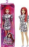 Barbie Fashionista Muñeca pelirroja con vestido estampado, pendientes maxi y accesorios de moda de juguete (Mattel GRB56)