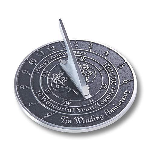 The Metal Foundry Reloj de sol para aniversario de boda de 2021, de metal reciclado, ideal como regalo para él, ella, padres, abuelos o parejas en 10 años de matrimonio.
