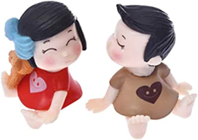 P S Retail Sweety Lovers Couple Figurines Miniatures (2 Pcs Set, Red & Coffee)