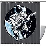 Astronauta tocando guitarra ectric en el espacio, decoración de baño textil acogedora decoración encantadora agradable diseño peculiar cortina de ducha con ganchos, 152 x 182 cm