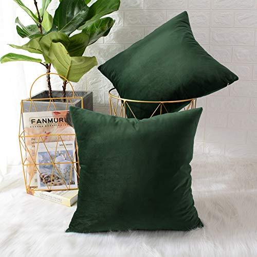 cojín verde de la marca MERNETTE