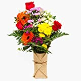 Ramos de flores naturales variado Habana Style - Presentación con tela de yute - Flores frescas - Envío a domicilio 24h GRATIS - Tarjeta dedicatoria incluida - Caja especial para ramos de flores.