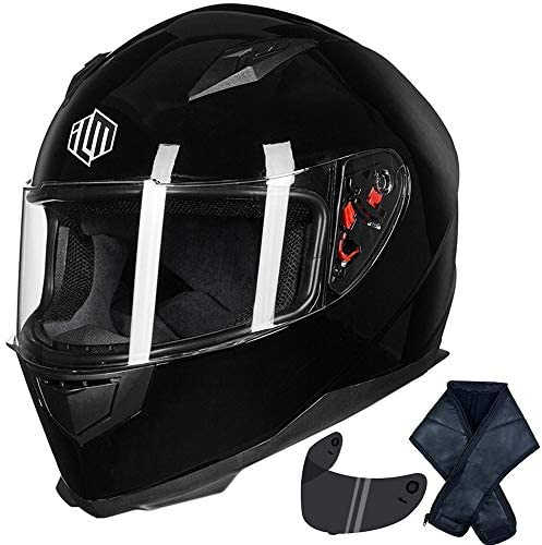 Motorcycle helmet with dreads