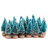 Moonvvin - Juego de 24 mini árboles de pino azul con base de madera para árbol de nieve, árboles de plástico, decoración de nieve, árboles de escritorio, manualidades, fiestas, regalos