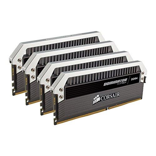 Corsair CMD32GX4M4C3000C15 Dominator Platinum Kit di Memoria per Desktop a Elevate Prestazioni, DDR4 32 GB, 3000 MHz, 4 x 8 GB, Nero