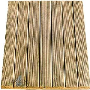 Baldosa de madera de pino recta 100x100 cm y 36mm. Tratadas con el sistema de autoclave para protegerlas de la humedad y el calor.
