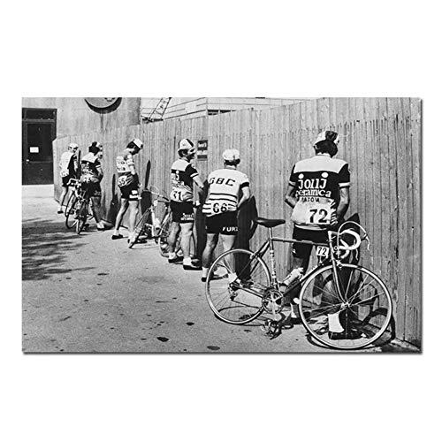 NRRTBWDHL Schwarz und Weiß Radfahrer Print Bike Vintage Foto Poster für Badezimmer Dekoration Männer Pissen Pissen Straße Wand Leinwand Malerei-50x70 cm Kein Rahmen