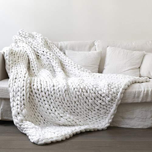 ruixin Chunky Knit Blanket Super Soft Chunky Knit Throw Blanket for Bed, Hand Knitted Cozy Warm Giant Yarn Throw Blankets, Blankets and Throws for Sofa Home Decor Gift (80 * 100cm,White)