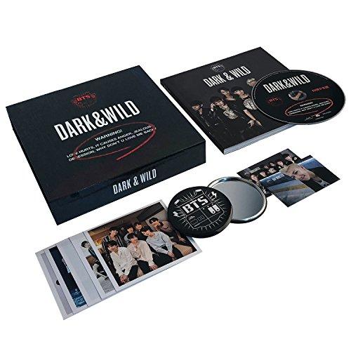 DARK & WILD - BTS 1st Album CD + Photobook + Photocard + FREE GIFT / K-POP Sealed