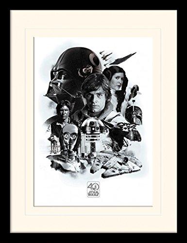 1art1 Star Wars - 40th Anniversary Montage Gerahmtes Bild Mit Edlem Passepartout | Wand-Bilder | Kunstdruck Poster Im Bilderrahmen 40 x 30 cm