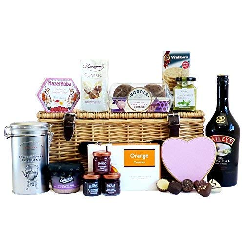 70cl Baileys and Fine Gourmet Food Hamper Presented in a Wicker Gift Basket - Gift Ideas for Mum, Mothers Day, Her, Grandma, Wife, Christmas presents, Birthday, Anniversary, Dad, Fathers Day, him