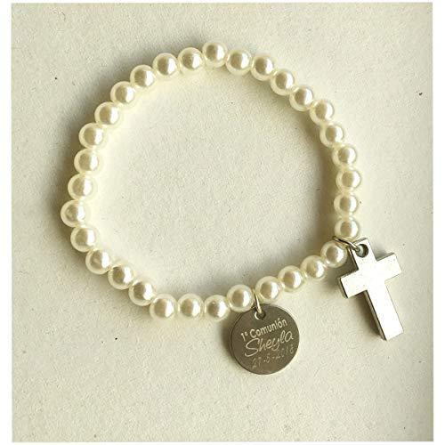 Pulsera de perlas blancas con cruz plateada, con placa personalizada grabada con texto. Para comunión, catequesis y recuerdos (10 unidades)