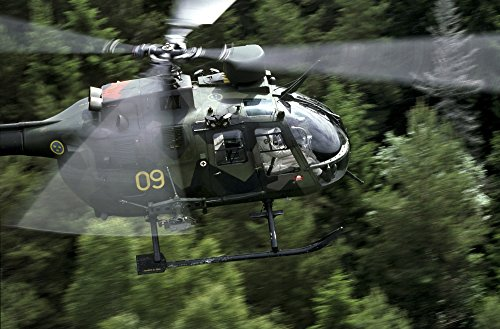 Daniel Karlsson/Stocktrek Images – MBB BO 105 Helicopter of The Swedish Air Force. Photo Print (43,69 x 28,70 cm)