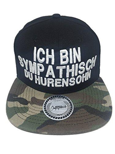 Outfitfabrik Snapback Cap Ich Bin sympathisch du Hurensohn in schwarz mit Camouflage Schirm und 3D-Stick (Junggesellenabschied, 18. Geburtstag, JGA, Provokation, Statement), One Size, verstellbar