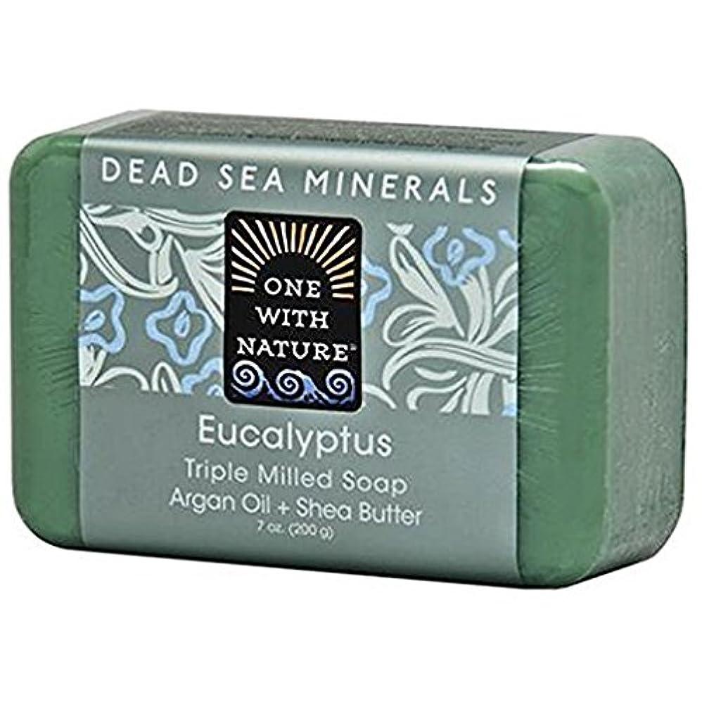 ランダムチロアナニバーOne With Nature - 死んだSea Mineralsは製粉された棒石鹸のユーカリを三倍にする - 7ポンド [並行輸入品]