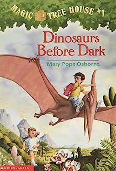 Paperback Dinosaurs Before Dark (Magic Tree House Book