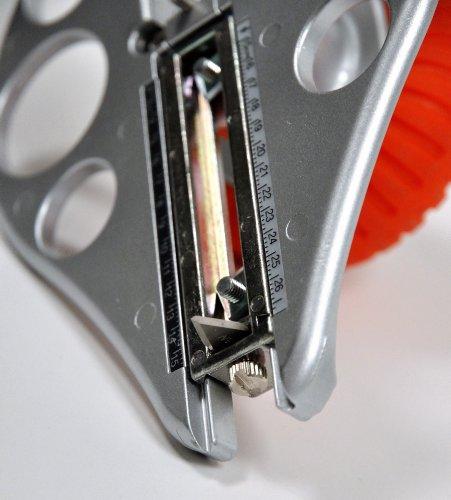 NT Cutter Aluminum Die-Cast Body Heavy-Duty Circle Cutter, 1-3/16 Inches 10-1/4 Inches Diameter, 1 Cutter (C-3000GP) Photo #5